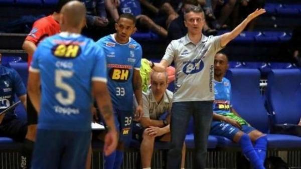 Paulinho Cardoso, novo técnico do Marechal; ele estava no Minas Futsal desde 2012. (Foto: Reprodução)