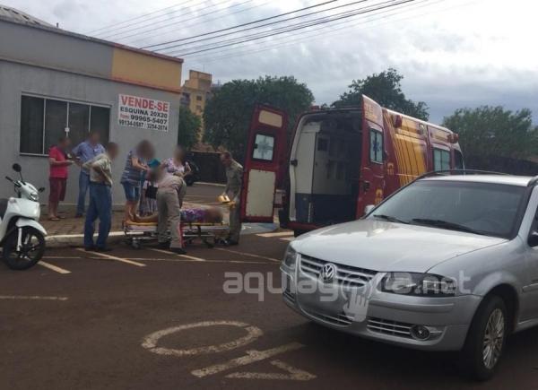 Uma equipe do Corpo de Bombeiros foi acionada e a encaminhou para atendimento médico à UPA (Foto: Fernanda Bourscheidt/AquiAgora.net )