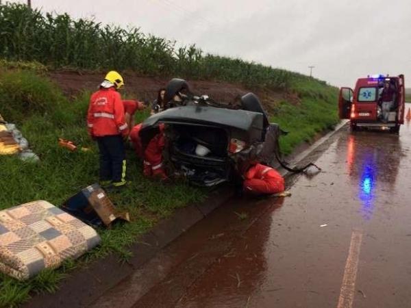 Duas vítimas ficaram feridas (Foto: CATVE )