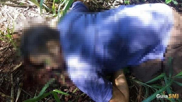 O corpo tinha várias perfurações. (Foto: Reprodução)