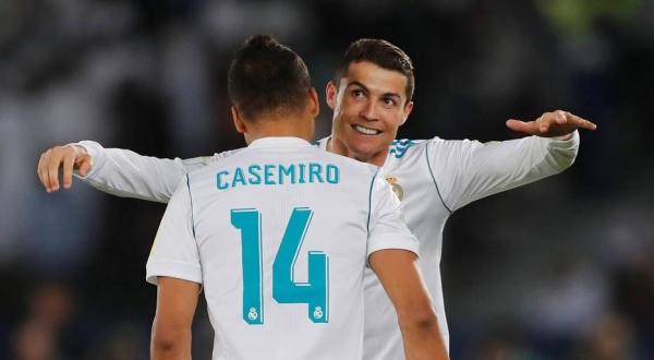 Cristiano Ronaldo comemora gol com Casemiro. Foto: Amr Abdallah Dalsh/Reuters