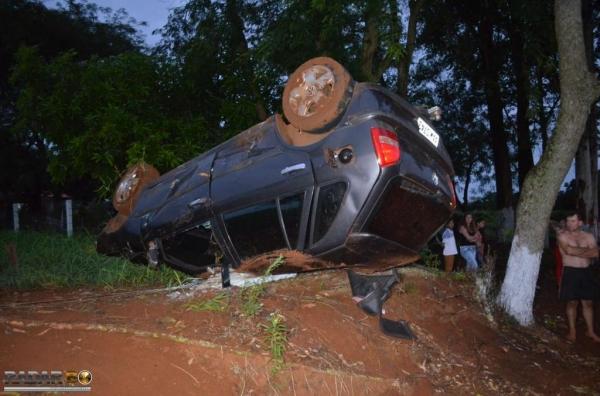 Os quatro ocupantes foram socorridos. (Foto: Radar B.O.)