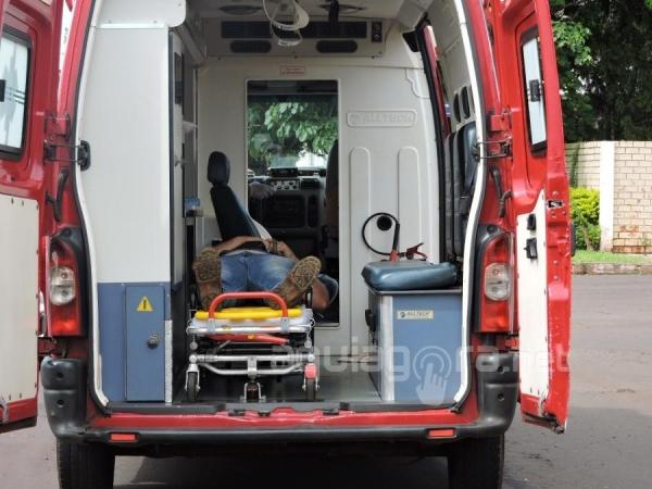 A colisão deixou o motociclista ferido (Foto: Adeliana Ricce/AquiAgora.net )