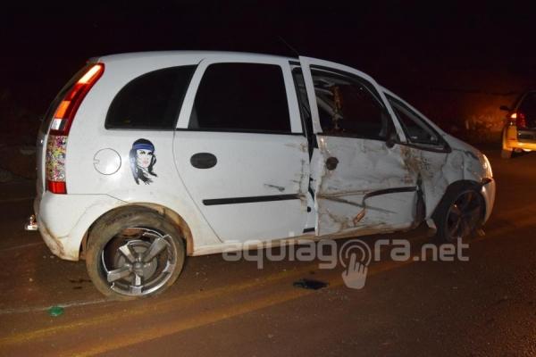 Duas pessoas ficaram feridas no acidente (Foto: Cristine Kempp/AquiAgora.net )