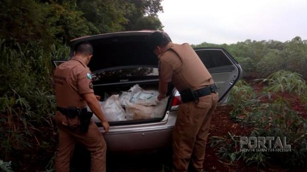 Durante a operação um veículo de luxo carregado com inseticidas do Paraguai foi apreendido. (Foto: PM)