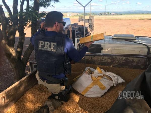 A droga saiu de Ponta Porã e iria para Porto Alegre. (Foto: PRF)