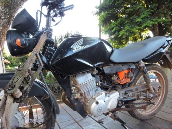 Colisão envolveu motocicleta CG e veículo Saveiro (Foto: Fernanda Bourscheidt/AquiAgora.net )