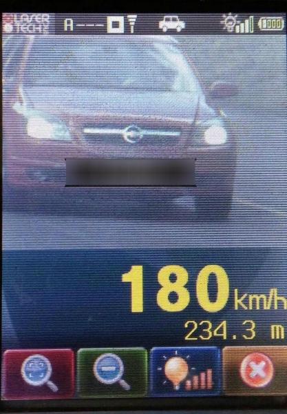 Na PR-317, entre Assis Chateaubriand e Toledo, segundo a PRE, um carro foi registrado a 180 km/h (Foto: Divulgação/PRE)