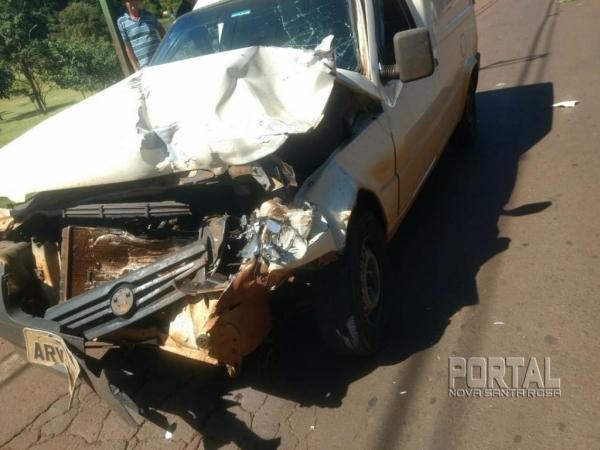 O motorista do Fiat sofreu ferimentos leves e foi encaminhado para atendimento médico. (Fotos: Marechal On Line)