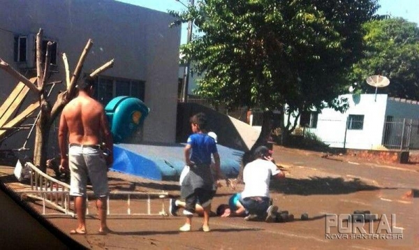 O trabalhador caiu com as costas no asfalto. (Foto: Portal Palotina)