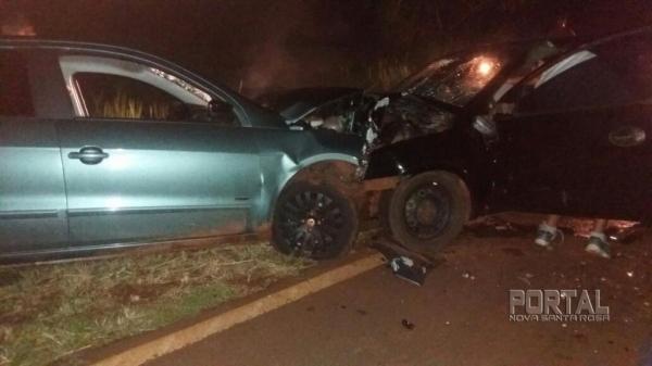 A colisão frontal ocorreu próximo ao km 12 da rodovia, no trecho das três pistas. (Foto: Colaborador)
