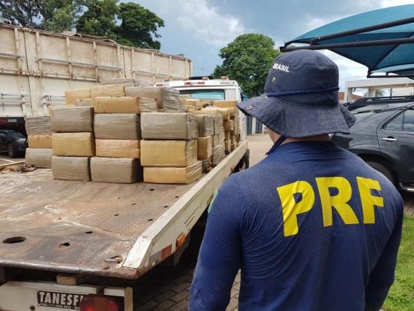 A maior apreensão de maconha foi registrada pela PRF em Alto Paraíso, na região noroeste do Paraná. (Foto: PRF)