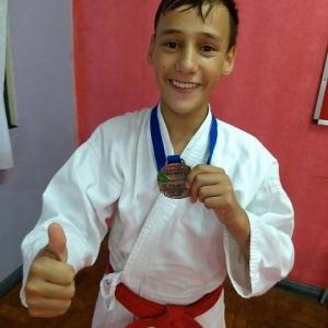 Renan Kanitz faz parte do projeto Karatê Campeão.(Fotos: Assessoria)