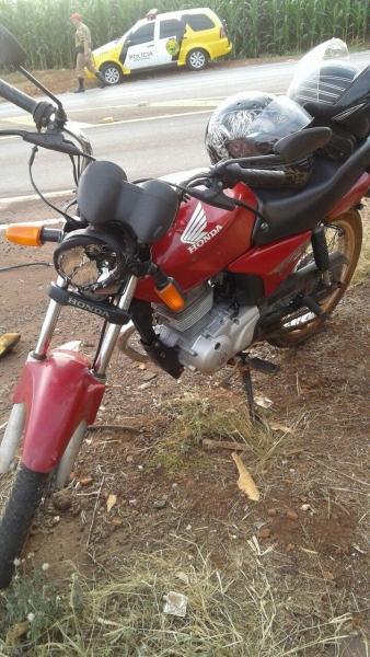Motocicleta de Marechal Rondon se envolve em acidente com carreta em Toledo (Foto: PRE/Divulgação )