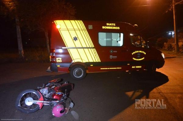 O motociclista foi socorrido pelo Corpo de Bombeiros . (Foto: Bogoni)