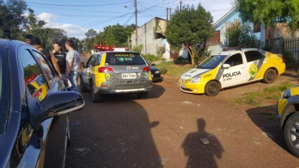 Vários disparos foram realizados e a vítima morreu na hora.(Foto: CGN)
