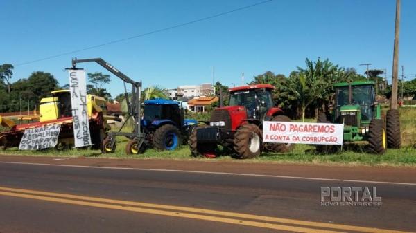A paralisação no município iniciou por volta das 09h da manhã de hoje (23).(Foto: Marechal News)