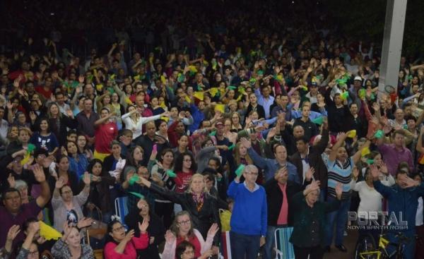 Mais de 3 mil pessoas participaram da missa. (Foto: Bogoni)