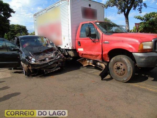 A condutora do carro sentia dores pelo corpo. (Foto: Correio do Lago)