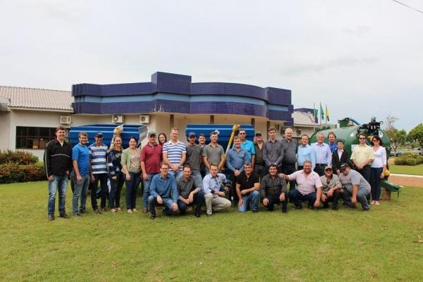 Associações de agricultores recebem novos equipamentos de convênio com a SEAB. (Foto: Assessoria)