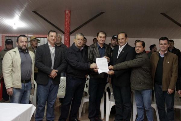 Convênios firmam a parceria entre Toledo e o Governo do Estado. (Foto: Assessoria)