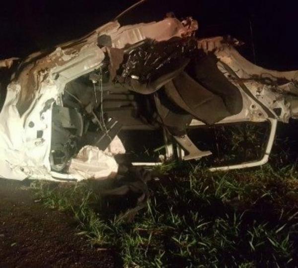 Três veículo colidem, carro se parte ao meio e motorista morre em acidente na PR-444 - Foto: Reprodução/Whatsapp