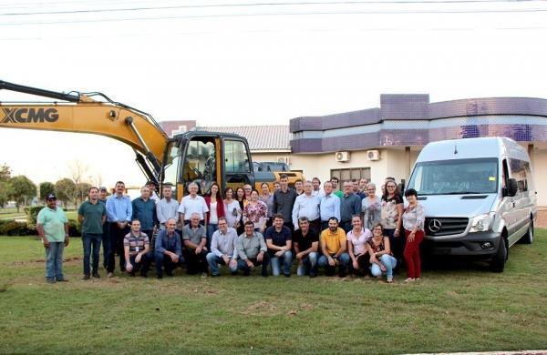 Nova van é adquirida para o transporte de pacientes. (Foto: Assessoria)