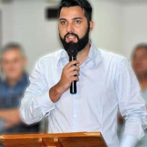 O ex-jogador de vôlei Elder Coutinho também era secretário de Esportes de Assis Chateaubriand (Foto: Prefeitura de Assis Chateaubriand/Divulgação)