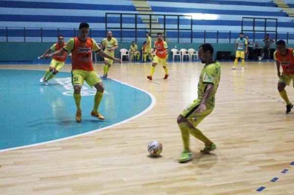 Na tarde desta segunda-feira (16) a equipe realizou treino tático.( Fotos: Carina Ribeiro/Copagril)