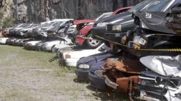 Automóveis leves, caminhões e ciclomotores estão entre os mais de 1500 veículos disponíveis para a comercialização. (Foto: Assessoria)