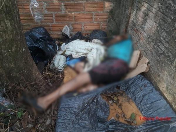 O corpo da vítima foi encaminhada ao necrotério do IML para procedimento de necropsia e liberação (Foto: Paulo Romeu Domingues Junior )