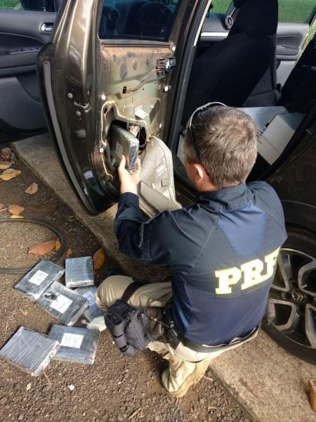 Além da cocaína foram apreendidos haxixe e crack. (Fotos: PRF)