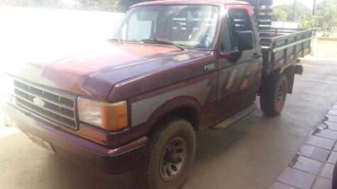 O veículo tem placa BPV-8847 e cor vermelha. (Foto: Divulgação)