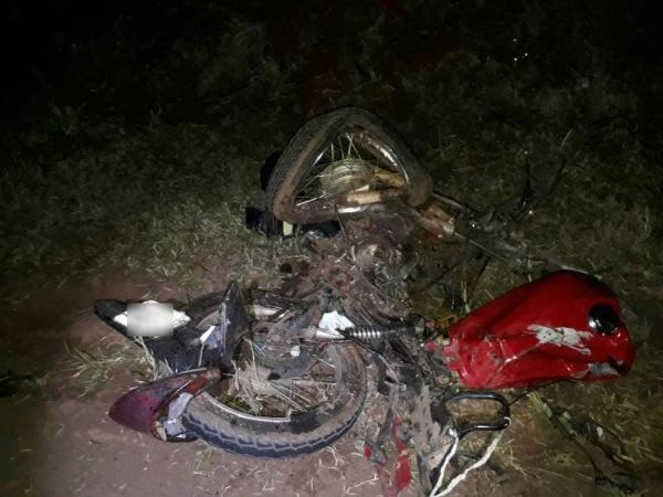 Motociclista morre em acidente com caminhonete na PR-218, em Paranavaí (Foto: Divulgação/PRE)