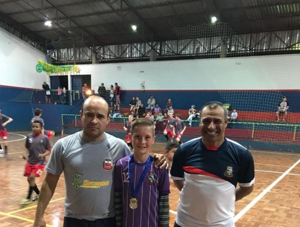O Professor Edson Góis esteve junto com  os atletas. (Fotos: Divulgação)