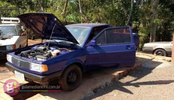 Um veículo que ainda não havia ainda sido desmontado chamou a atenção dos policiais. (Foto: Polícia Civil)