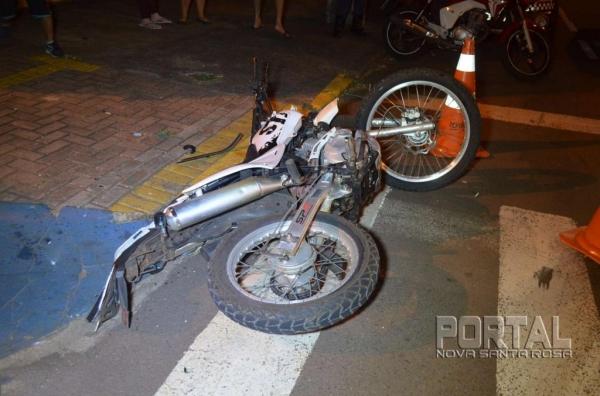 O motociclista teve ferimentos moderados. (Fotos: Bogoni)
