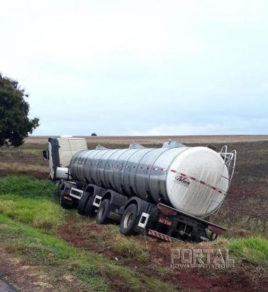 O motorista perdeu o controle de direção. (Fotos: Léo Silva/Corujinha)