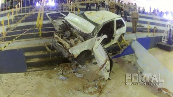 Darci Oliveira, de 57 anos, sofreu um mal súbito e perdeu o controle da direção. (Fotos: Léo Silva)