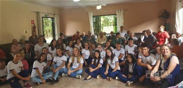 Alunos do Colégio Estadual Gaspar Dutra de Nova Santa Rosa. (Foto: Divulgação)