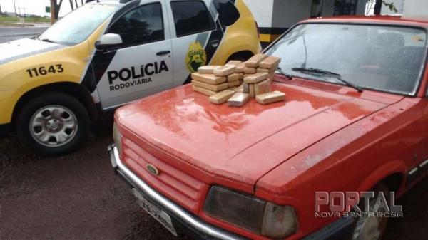 A droga estava escondida no banco traseiro. (Fotos: Léo Silva/Radar B.O.)
