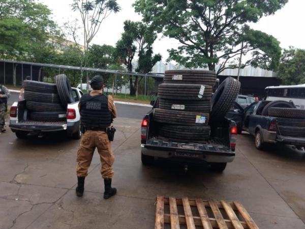No total foram apreendidos 23 pneus de caminhão . (Fotos: BPFron)