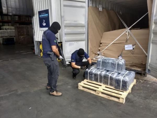 Neste ano, as apreensões de cocaína no Porto de Paranaguá somam quase 4,5 toneladas da droga — Foto: Wilson Kirsche/RPC