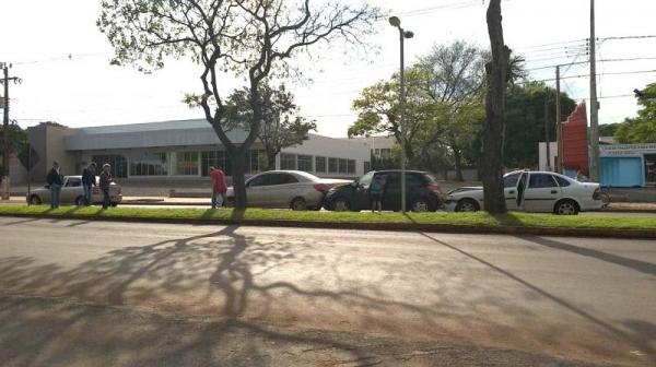 Os quatro veículos com placas de Marechal Cândido Rondon sofreram danos materiais.( Foto: Rafael Graebin)
