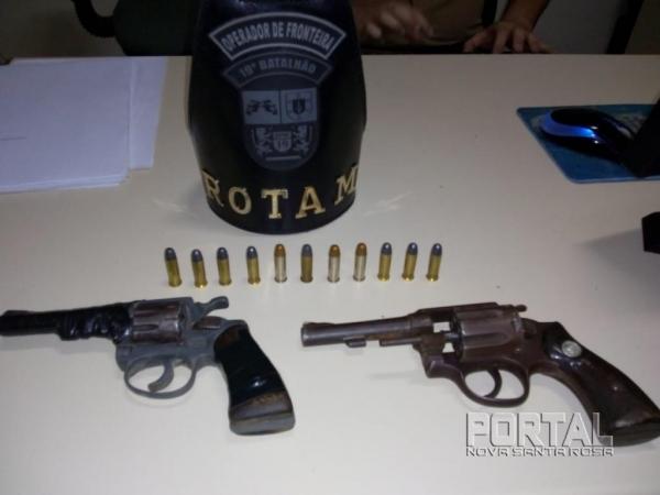 As duas armas apreendidas. (Foto: ROTAM)