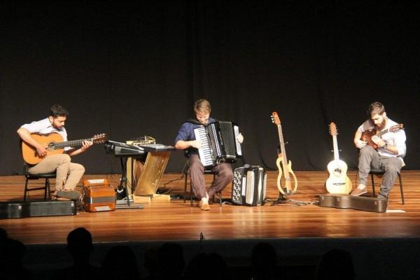 O objetivo do Trio Turiaçu é levar alegria com abordagens e temáticas variadas em suas músicas. (Fotos: Emanuela Schaedler Schnekemberg)