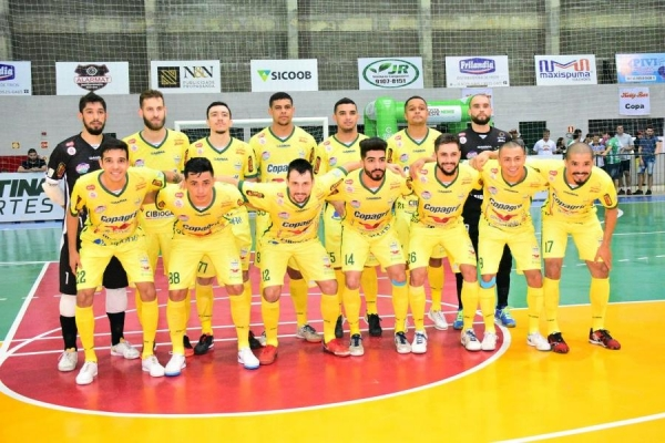 A Copagril Futsal começou a partida determinada a conquistar um bom placar fora de casa (Foto: Costa Oeste News )
