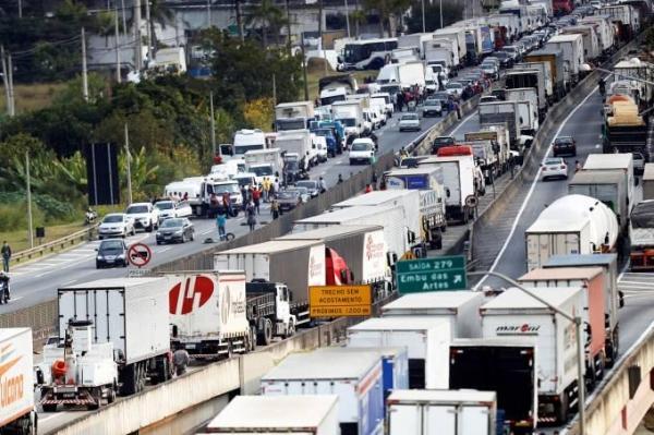 Camihoneiros estão convocando nova greve para 22 de janeiro (Leonardo Benassatto/Reuters)
