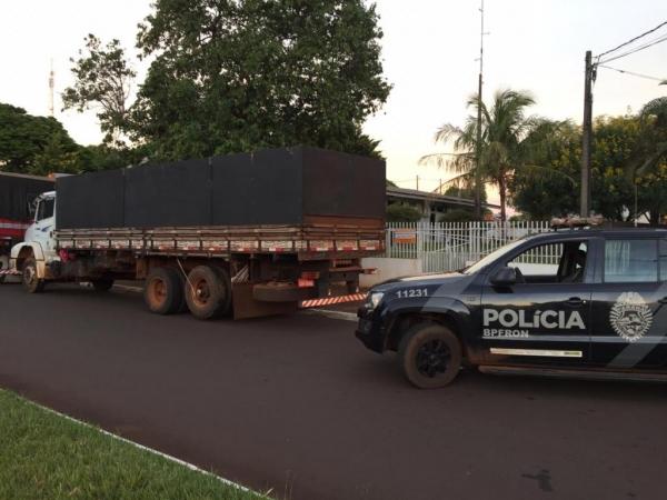 O caminhão foi recuperado em Altônia. (Foto: BPFron)